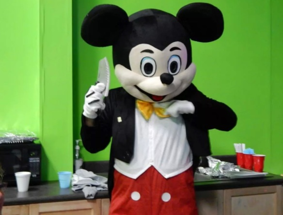 mickey knife
